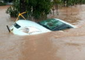 What To Do If Your Car Sinks In The Water?