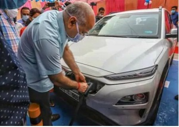 EESL Plans To Roll Out 9500 EV's Across The Nation