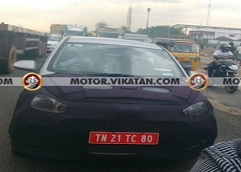 Facelift Hyundai Grand i10 spied on roads