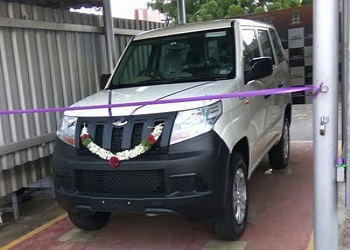 Images Of Mahindra TUV300 Plus Leaked Before Its Official Launch