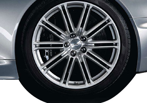 Aston Martin DBS Wheel and Tyre Exterior Picture