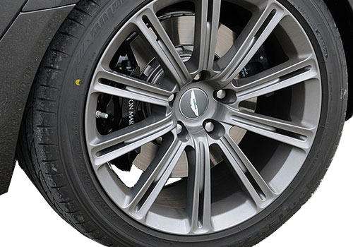 Aston Martin Rapide Wheel and Tyre Exterior Picture