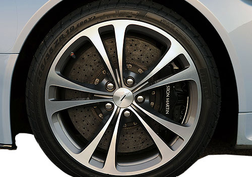 Aston Martin V12 Vantage Wheel and Tyre Exterior Picture