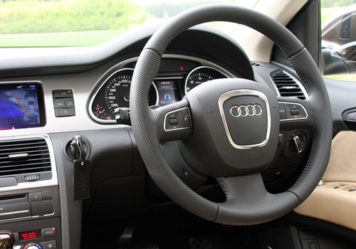 Audi Q7 Steering Wheel Interior Picture