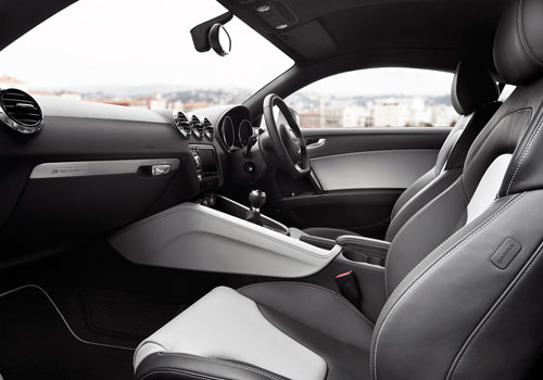 Audi TT Front Seats Interior Picture