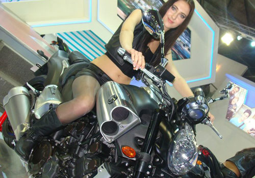 AUTO EXPO FEATURES