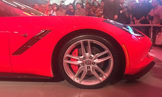 Auto Expo 2016 Corvette Stingray Side View