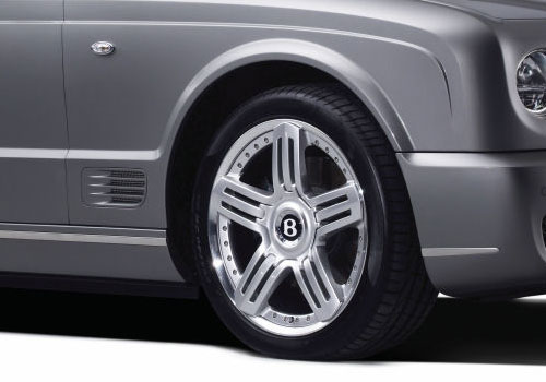 Bentley Azure Wheel and Tyre Exterior Picture
