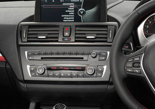 BMW 1 Series Front AC Controls Interior Picture