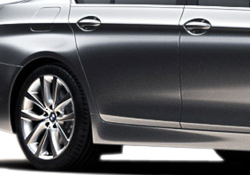 BMW 5 Series Wheel and Tyre Exterior Picture