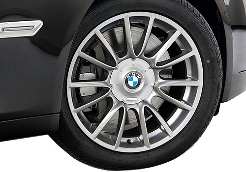 BMW 7 Series Wheel and Tyre Exterior Picture