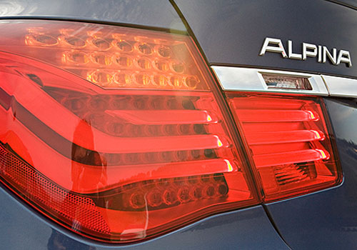 BMW 7 Series Tail Light Exterior Picture