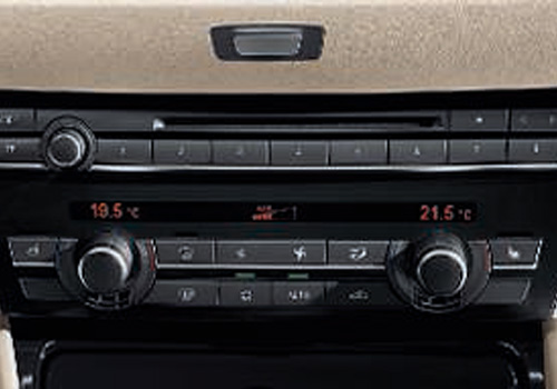 BMW Gran Turismo Front AC Controls Interior Picture