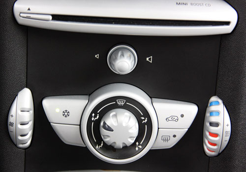 BMW Mini Cooper Rear AC Control Interior Picture