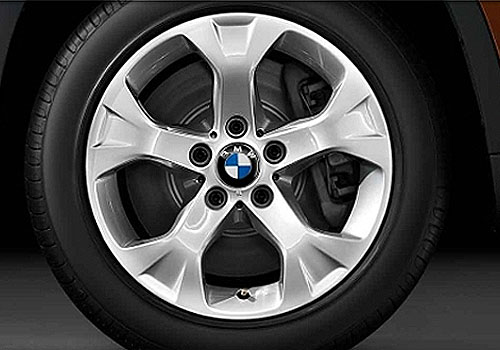 BMW X1 Wheel and Tyre Exterior Picture