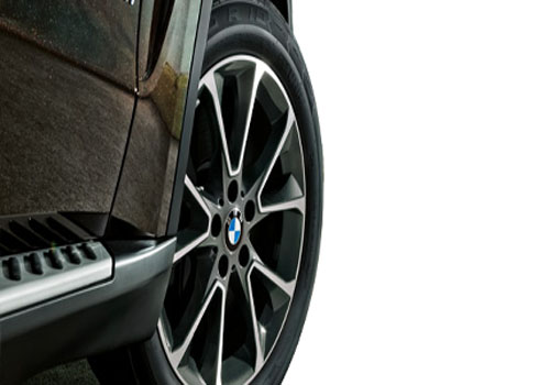 BMW X5 Wheel and Tyre Exterior Picture