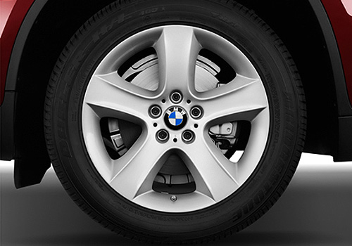 BMW X6 Wheel and Tyre Exterior Picture