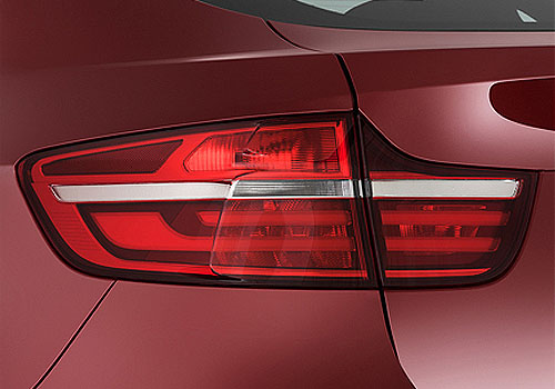 BMW X6 Tail Light Exterior Picture
