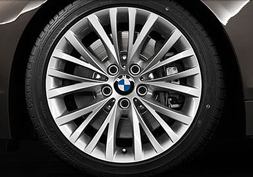 BMW Z4 Wheel and Tyre Exterior Picture