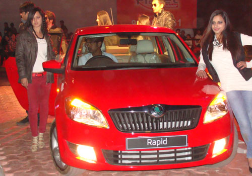 http://www.carkhabri.com/Gallery/car-news/general/skoda-rapid.jpg