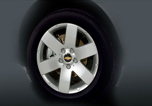Chevrolet Captiva Wheel and Tyre Exterior Picture