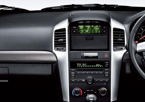 Chevrolet Captiva Front AC Controls Interior Picture | CarKhabri.com