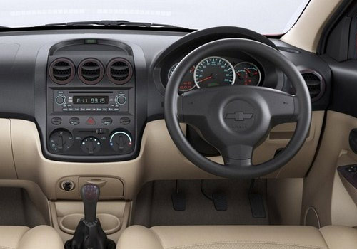 Chevrolet Enjoy Dashboard Interior Picture