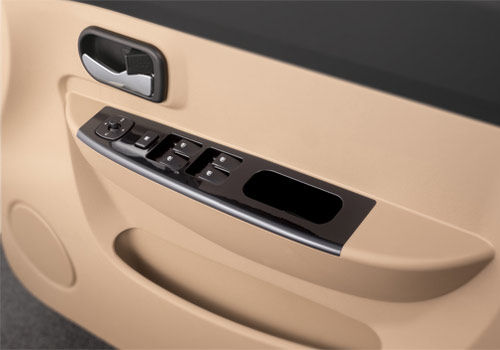 Chevrolet Enjoy Driver Side Door Control Interior Picture