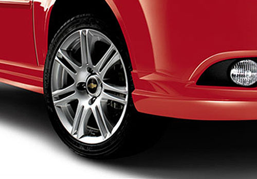 Chevrolet Optra Magnum Wheel and Tyre Exterior Picture
