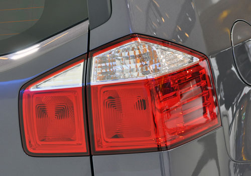 Chevrolet Orlando Tail Light Exterior Picture