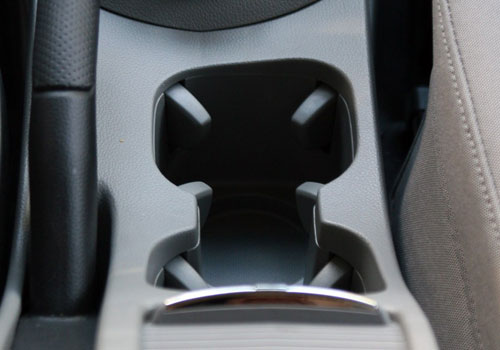 Chevrolet Orlando Cup Holders Interior Picture