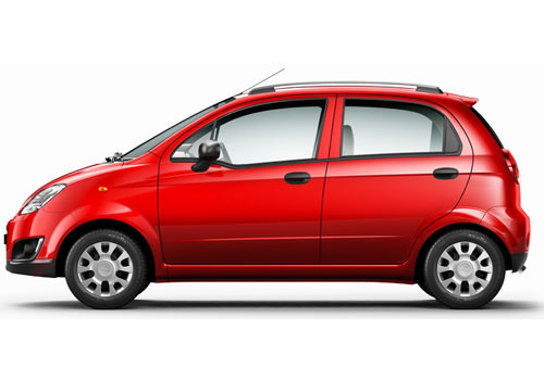 Chevrolet Spark Front Angle Side View Exterior Picture