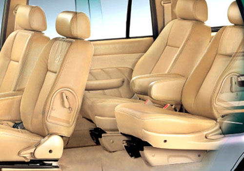 Chevrolet Tavera Rear Seats Interior Picture