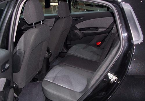 Used Car App >> Fiat Bravo Rear Seats Interior Picture   CarKhabri.com