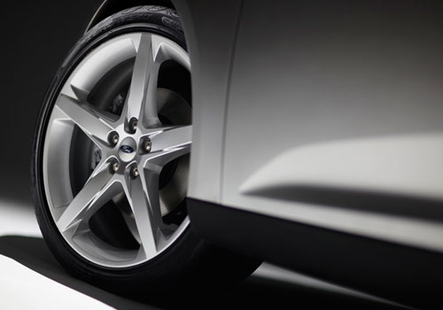 Ford Focus Wheel and Tyre Exterior Picture