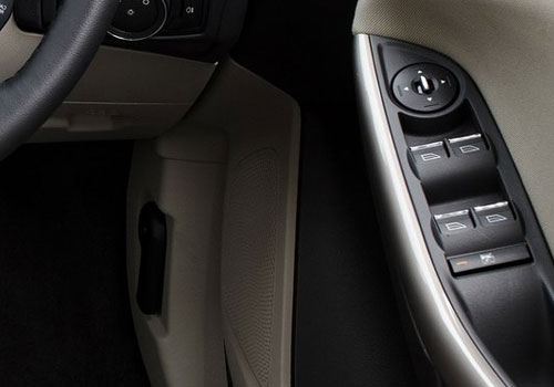 Ford Focus Driver Side Door Control Interior Picture