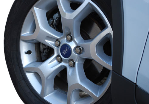 Ford Kuga Wheel and Tyre Exterior Picture