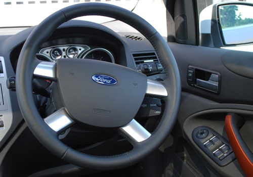 Ford Kuga Steering Wheel Interior Picture