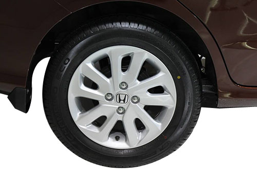 Honda Mobilio Wheel and Tyre Exterior Picture