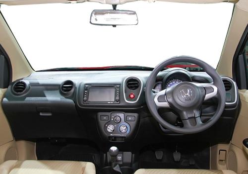 Honda Mobilio Central Console Picture
