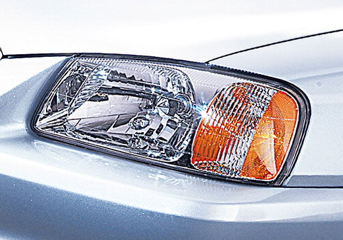 Hyundai Accent Headlight Exterior Picture