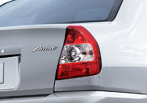 Hyundai Accent Tail Light Exterior Picture