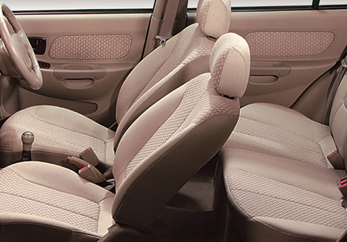 Hyundai Accent Front Seats Interior Picture