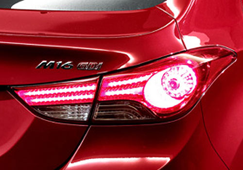 Hyundai Avante Tail Light Exterior Picture