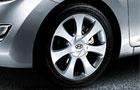 Hyundai Elantra Wheel & Tyre Pictures