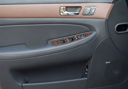 Hyundai Genesis Inside Driver Side Door Open Interior Picture