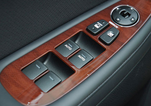 Hyundai Genesis Driver Side Door Control Interior Picture