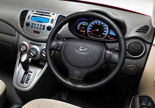 Hyundai i10 Steering Wheel Interior Picture