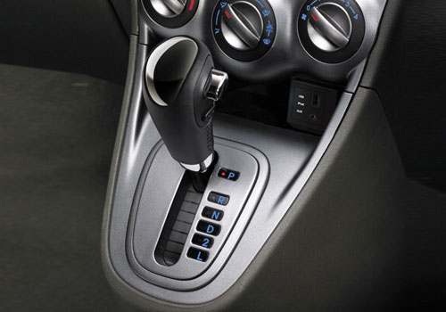 Hyundai i10 Gear Knob Interior Picture