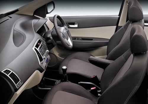 Hyundai Elite i20 Front Seat Picture